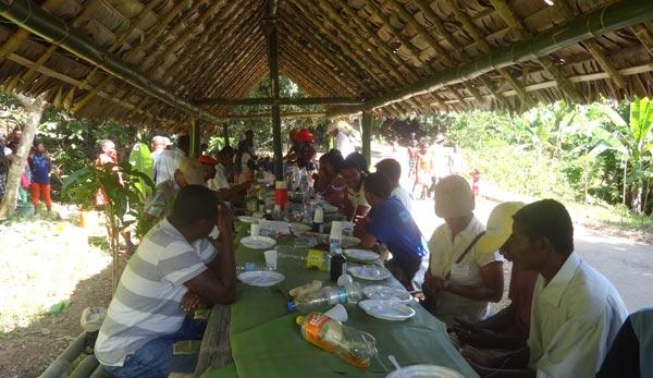 La biodiversité se réflète dans la diversité des aliments qui ont été servis par Anjara Environnement